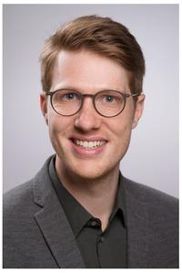 Dr. Christoffer Leber